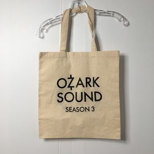 Tops - Ozark Season 3 Gear